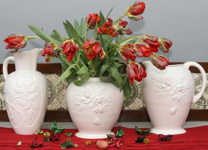 Royal Creamware Art Deco Jugs display