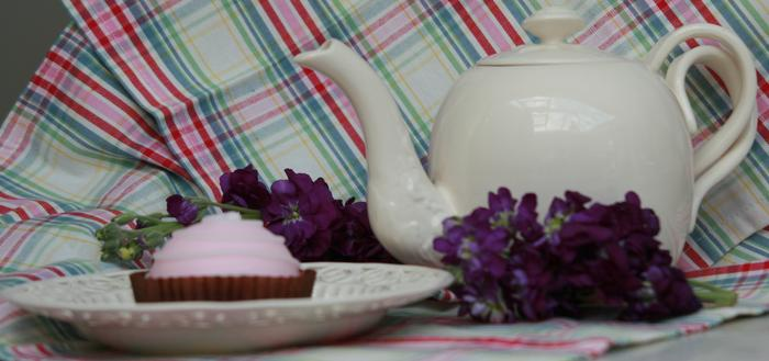 Royal Creamware tea time display